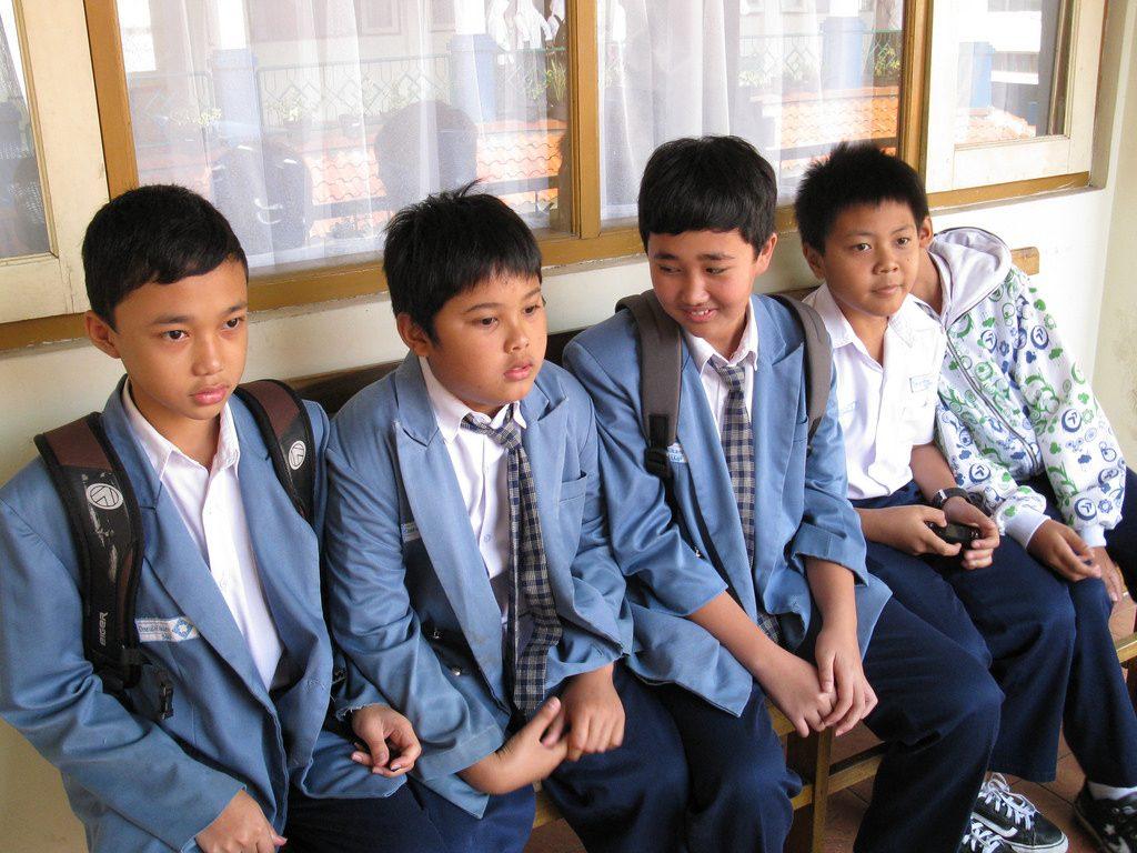 Ketika memilih sekolah, sebaiknya sang anaklah yang membuat keputusan mau sekolah di mana, karena dia yang menjalaninya setiap hari. Foto oleh Flickr / Ikhlasul Amal.