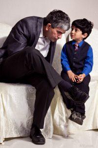Ngobrol ajalah dengan anak... gak usah dicampur nasehat :)
