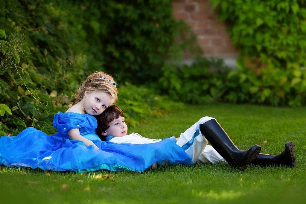 Ketika fisik anak laki dan perempuan mulai berbeda, mereka mulai ingin tahu tentang perbedaan ini. Bagaimana orang tua bisa mendampingi mereka dan memberikan guidance?